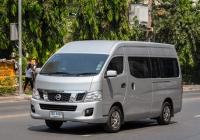Микроавтобус Nissan NV350 Urvan. Таиланд, Бангкок