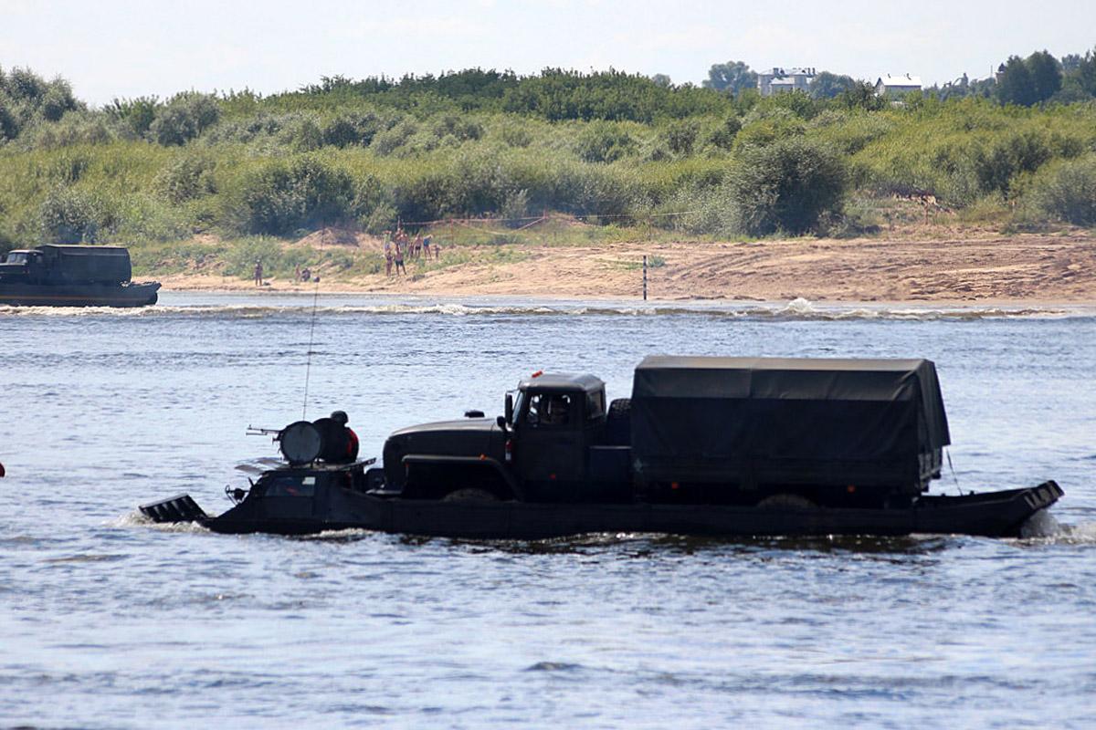 Гусеничный плавающий транспортёр ПТС-2. Владимирская область, Муром
