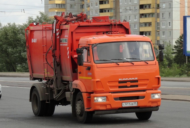 Мусоровоз КО-440-7 на базе КамАЗ-43253 (шасси) номер С 911 ОВ 55. Омская область, город Омск, улица Лукашевича
