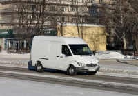 Фургон на шасси Mercedes-Benz Sprinter. Красноярский край, Железногорск, проспект Курчатова