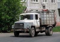 Мусоровоз МКГ на шасси ГАЗ-3307 #М 708 ЕУ 40. Калуга, Новаторская улица