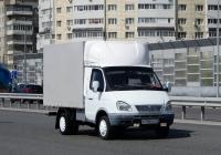 """Бортовой грузовой автомобиль ГАЗ-3302 """"Газель"""" #Е 740 РЕ 72 . Тюмень, улица Федюнинского"""