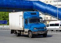 """Фургон 279510 на шасси ЗИЛ-5301АО """"Бычок"""" #Е 427 РХ 72. Тюмень, улица Федюнинского"""