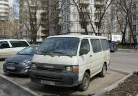 Пассажирский микроавтобус TOYOTA #У 812 ЕВ 177. Москва, Бескудниковский бульвар