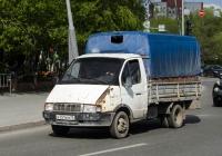 """Бортовой грузовой автомобиль ГАЗ-3302 """"Газель"""" #К 751 КМ 72 . Тюмень, улица 50 лет Октября"""