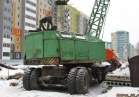 Пневмоколёсный кран КС-4361А. Алтайский край, Барнаул, Сиреневая улица