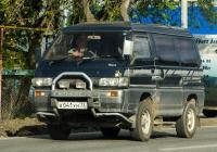 Микроавтобус Mitsubushi Delica #К 041 УН 72 . Тюмень, улица Тимуровцев