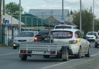 Прицеп КМЗ-8213 #АХ 9117 72 в составе автопоезда . Тюмень, улица Тимуровцев