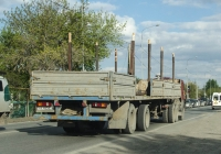 Полуприцеп МТМ-933004 #АХ 4553 72 в составе автопоезда с тягачом КамАЗ-5410. Тюмень, улица Тимуровцев