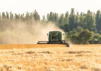 Комбайн John Deer 9500 на уборке зерновых. Днепропетровская область, Никопольский район