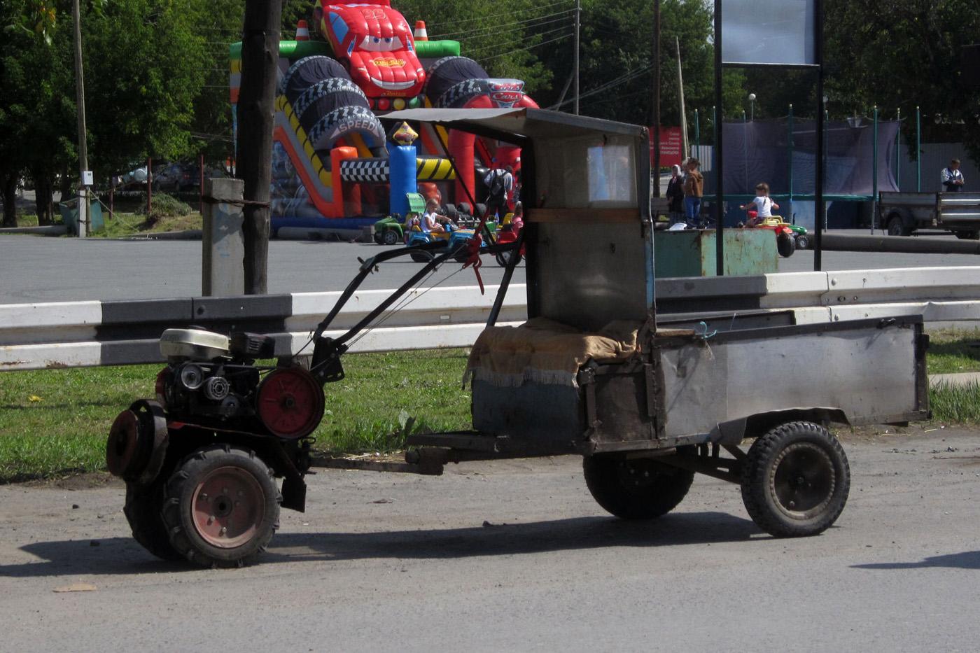Мотоблок Lifan с прицепом . Свердловская область, Талица, улица Васильева