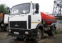 Коммунальная машина КО-713Н-43 на шасси МАЗ-4380 #У 800 РВ 96 . Екатеринбург, улица 8-марта
