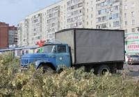 Фургон на шасси ЗиЛ-431412 #К 208 ВО 45 . Курган, улица Бурова-Петрова