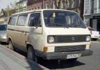 микроавтобус Volkswagen Caravelle T3. Самара, ул. Максима Горького