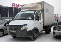 """Фургон на шасси ГАЗ-3302 """"Газель"""" #К 020 ЕО 72 . Тюмень, улица Менделеева"""