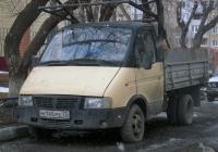 """Бортовой грузовой автомобиль ГАЗ-3302 """"Газель"""" #М 145 РЕ 72 . Тюмень, Киевская улица"""