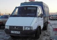 """Бортовой грузовой автомобиль ГАЗ-3302 """"Газель"""" #К 126 ОМ 96. Тюмень, Алебашевская улица"""