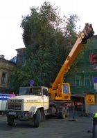 Автокран КС-4574 на шасси КрАЗ-250. г. Самара, площадь Революции