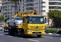 Эвакуатор с боковой загрузкой на шасси Mercedes-Benz Atego. Израиль, Тель-Авив, Ридинг