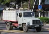 Мусоровоз МКГ на шасси ГАЗ-3307 #В 970 МО 23. Анапа, Крымская улица