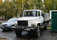 Бортовой грузовой автомобиль с двухрядной кабиной на базе ГАЗ-33088 #Н 973 АО 799. Москва, улица Зои и Александра Космодемьянских