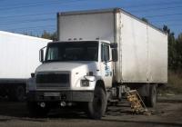 Фургон на шасси Freightliner Business Class FL #К 032 ЕР 72 . Тюмень, улица Гилевская Роща