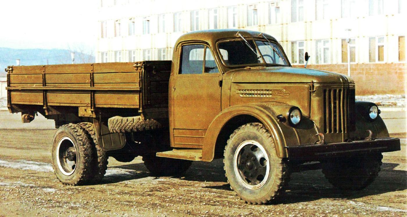 Бортовой грузовой автомобиль Урал-355М . Челябинская область, Миасс