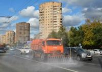 Комбинированная машина МКДС-4505 на шасси КАМАЗ-43253-R4 #Н 632 РХ 197 работает в транспортном потоке. Москва, Ленинградское шоссе