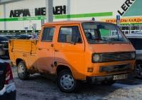 Бортовой грузовой автомобиль Volkswagen Transporter T3 #Х 927 СХ 66 . Тюмень, улица Дмитрия Менделеева