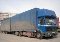 """Бортовой грузовой автомобиль Mercedes-Benz SK 2433 #Н 833 ХХ 72 с прицепом #ЕТ 9075 89 . Тюмень, парковка ТРЦ """"Кристалл"""""""