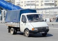 """Бортовой грузовой автомобиль ГАЗ-3302 """"Газель"""" #С 293 ВУ 72  . Тюмень, улица Федюнинского"""