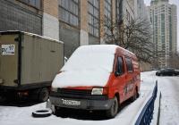 Цельнометаллический фургон Ford Transit #О 971 АТ 77. Москва, улица Приорова