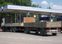 Бортовой грузовой автомобиль МАЗ-6312 #Н 910 ХК 72 с прицепом #АУ 7287 72 . Тюмень, улица Чайковского