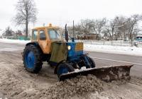 Трактор ЮМЗ-6* с навесным отвалом. Житомирская область, Коростенский район, с. Полесское