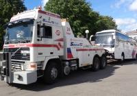 Эвакуатор на базе Volvo F12* #В 756 КР 78 буксирует автобус. Ленинградская область ,Выборг