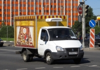 Рефрижератор 172412 на шасси ГАЗ-3302 ГАЗель #У 356 ОЕ 178 . Санкт-Петербург, площадь Конституции