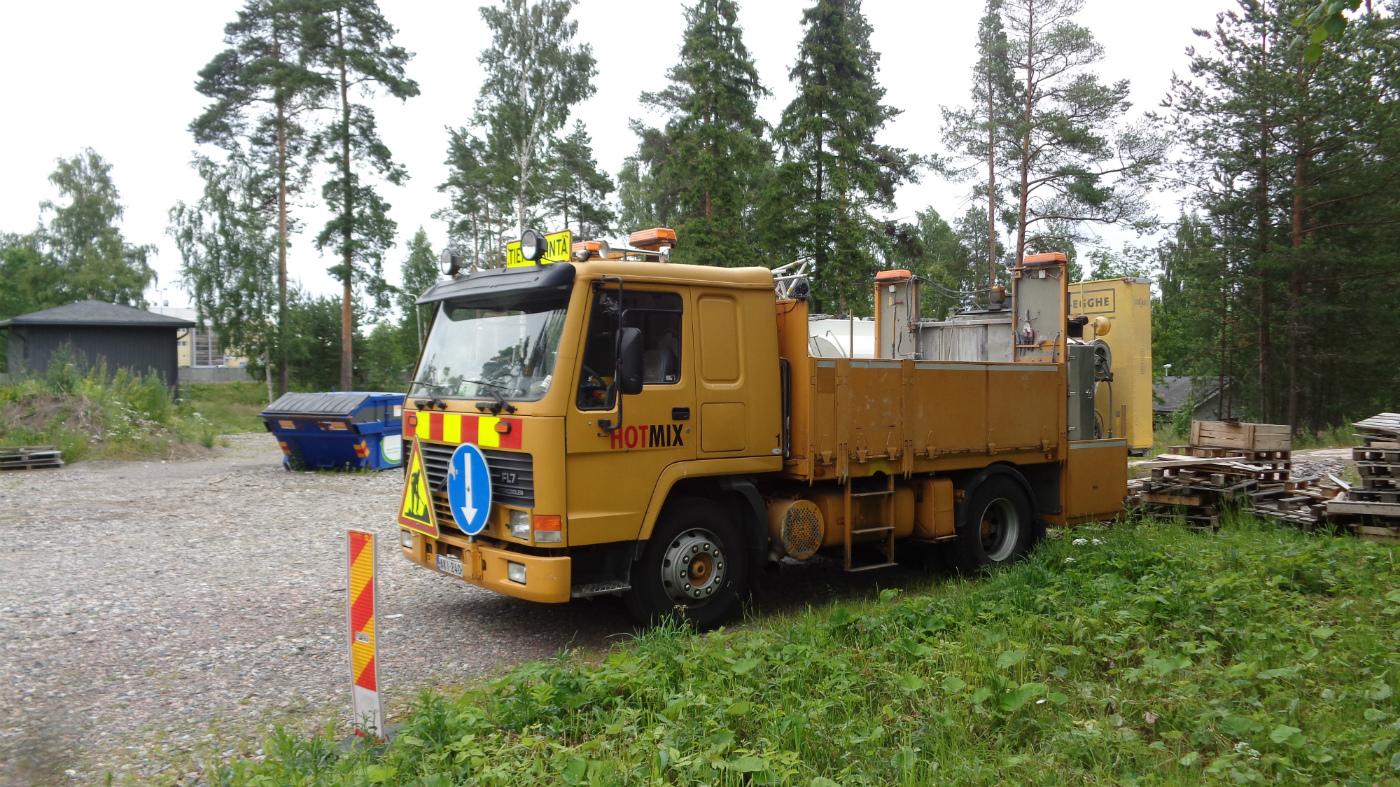 Автомобиль для нанесения дорожной разметки на шасси Volvo FL7 #AKI-240. Финляндия Вантаа