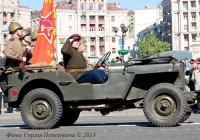 Автомобиль Willys MB. Парад в День Победы.. Киев. ул. Крещатик.