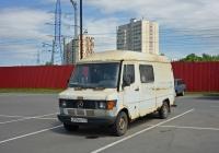 Цельнометаллический фургон Mersedes-Benz #С 974 КО 177 . Москва, Локомотивный проезд