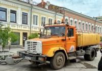 Поливомоечная машина КО-713 на шасси ЗиЛ-433362 #Е 744 ЕН 163. Самара, Ленинградская улица