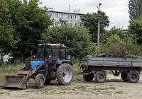 Беларус-82.1 с прицепом типа 2-ПТС-4,5. Волгоградская область, Фролово, Фроловская улица