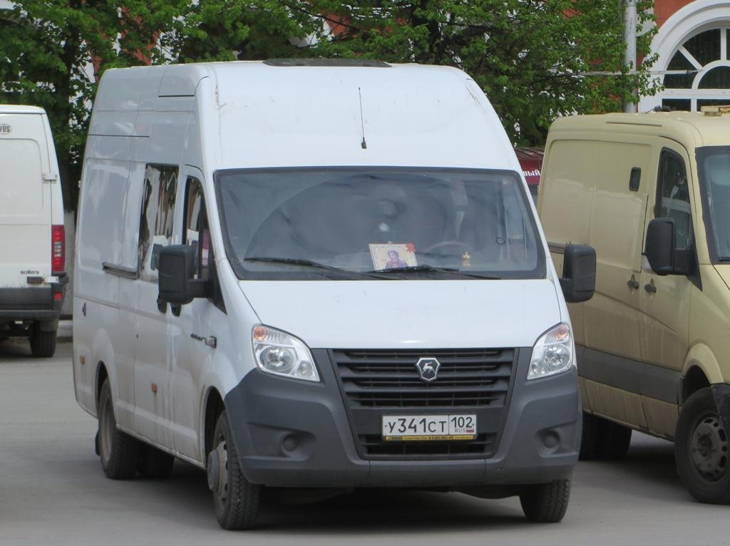 "Фургон ГАЗ-А32R35 ""Газель Next"" #У 341 СТ 102.  Курган, улица Гоголя"