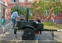Рабочая полевая кухня на избирательном участке . Москва, улица Зои и Александра Космодемьянских