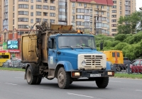 Мусоровоз КО-440-4 на шасси ЗИЛ-433360. Псков, Юбилейная улица