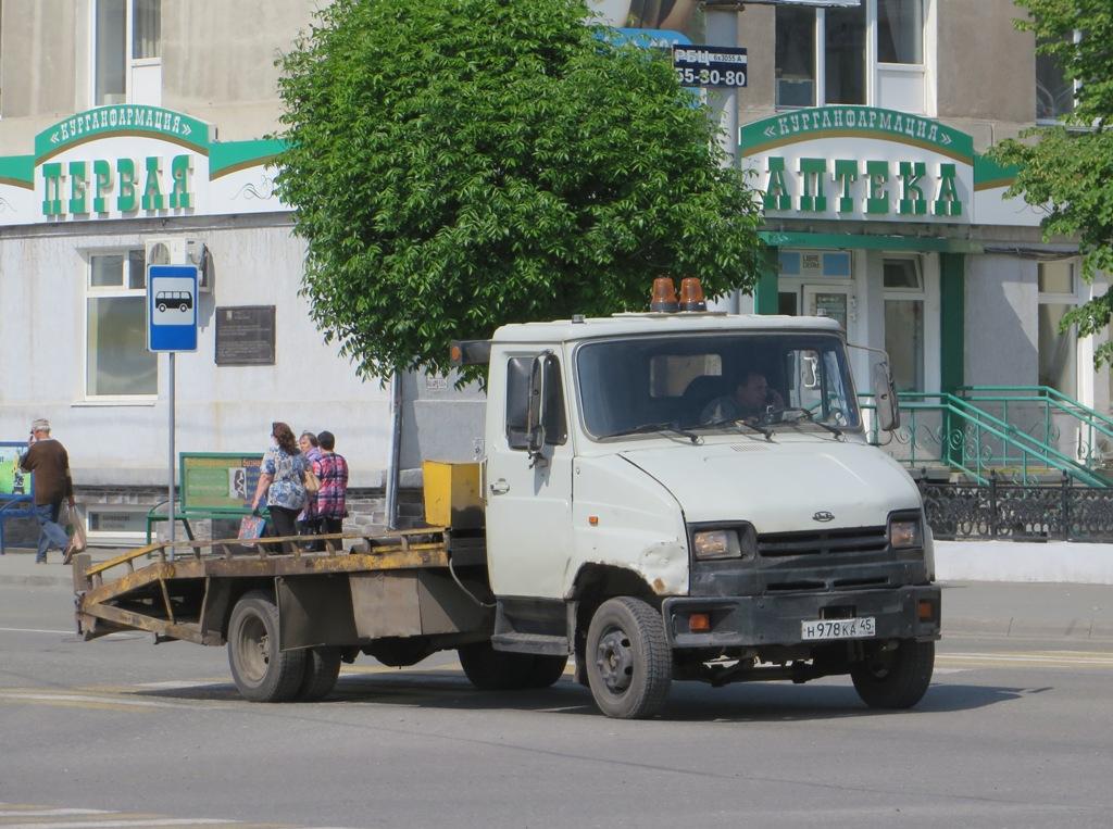 Эвакуатор на шасси ЗиЛ-5301ЕО #Н 978 КА 45. Курган, улица Куйбышева