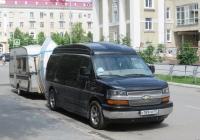 Микроавтобус Chevrolet Express G1500 #К 189 УМ 777, Прицеп-кемпер. Курган, улица Володарского