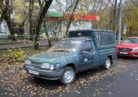 Фургон ИЖ-2717 #Н 515 СР 197. Москва, улица Космонавтов