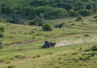 Трактор Беларус -1221.2 с полуприцепом. Украина, Запорожская область, Мелитопольский район