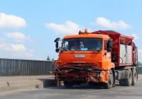 Автогудронатор на шасси КамАЗ-65115 #К 649 КК 60. Псков, Крестовское шоссе
