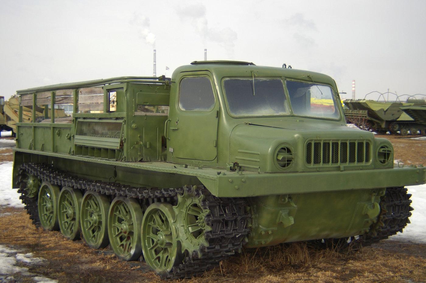 артиллерийский тягач АТС-59. г. Тольятти, технический музей им. К. Г. Сахарова